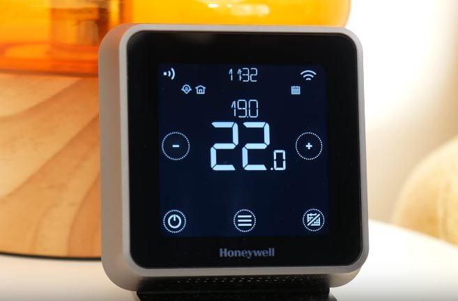 Honeywell Lyric T6R Best Smart Thermostats